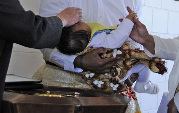 Fijian Baptism_0008_crop